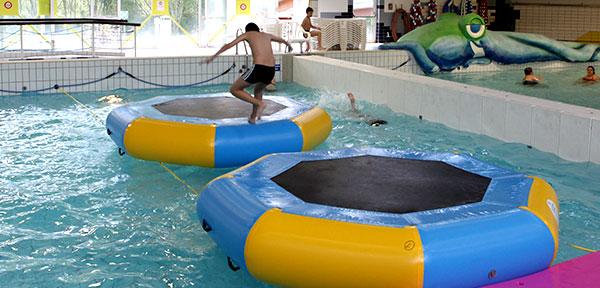 21 juin 2017 des jeux geants envahissent la piscine de for Piscine gravenchon